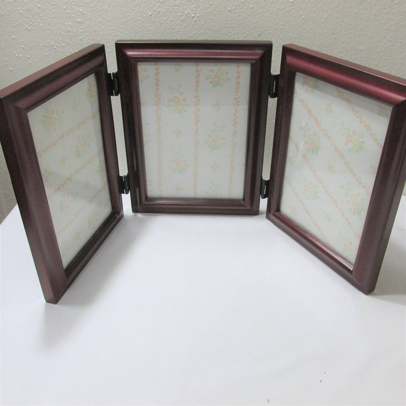 Tri Fold Picture Frames Vintage Wood Hinged 5 X 7 Inch Photos Etsy In 2020 Wood Hinges Wood Picture Frames Frame