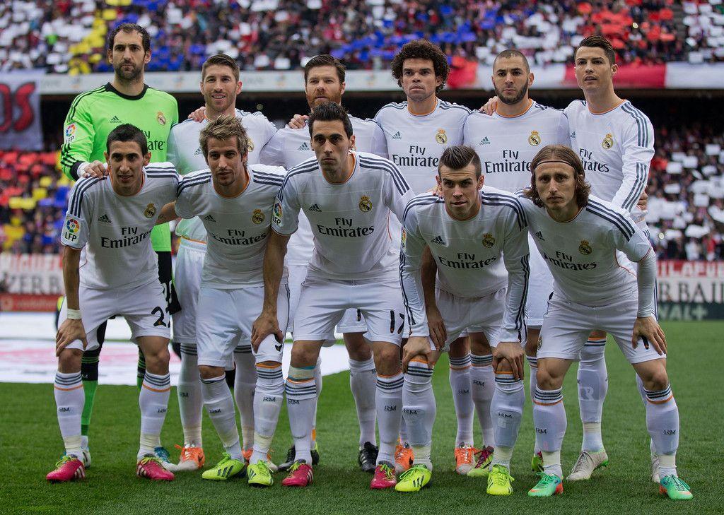 Real Madrid line up prior to start the La Liga match ...