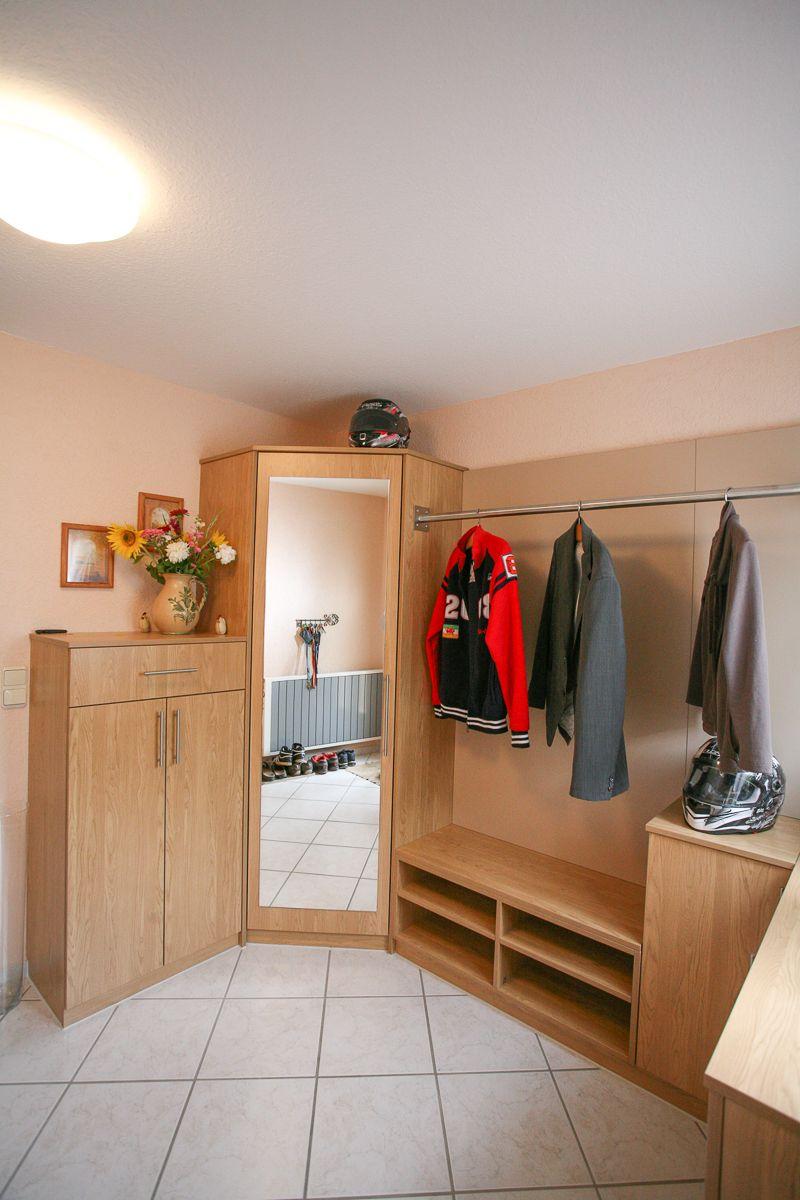 eckschrank garderobe deko pinterest eckschrank. Black Bedroom Furniture Sets. Home Design Ideas