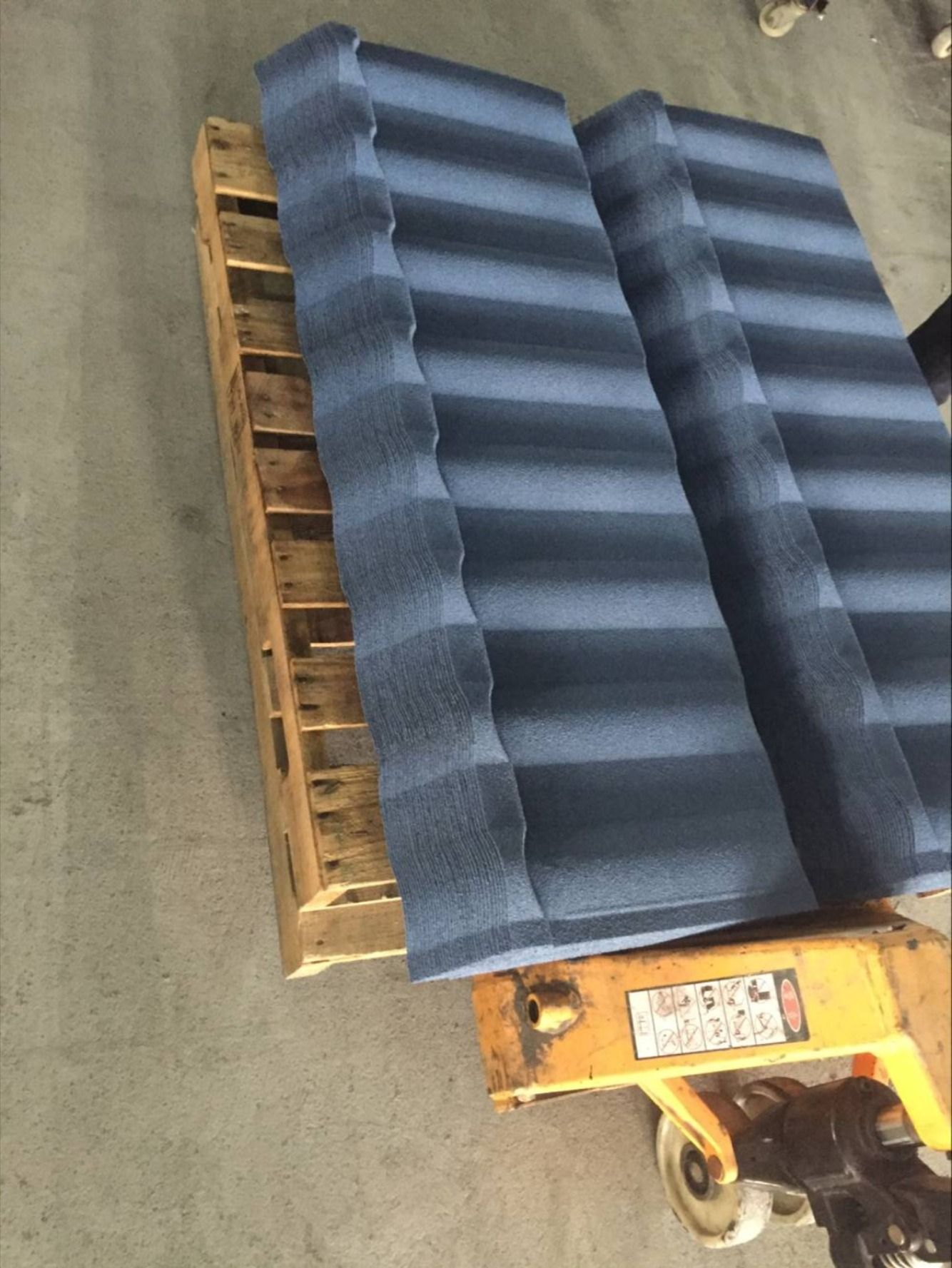 Production Of Stone Coated Milano Roofing Sheets In 2020 Roofing Sheets Aluminum Roof Sheet Metal Roofing