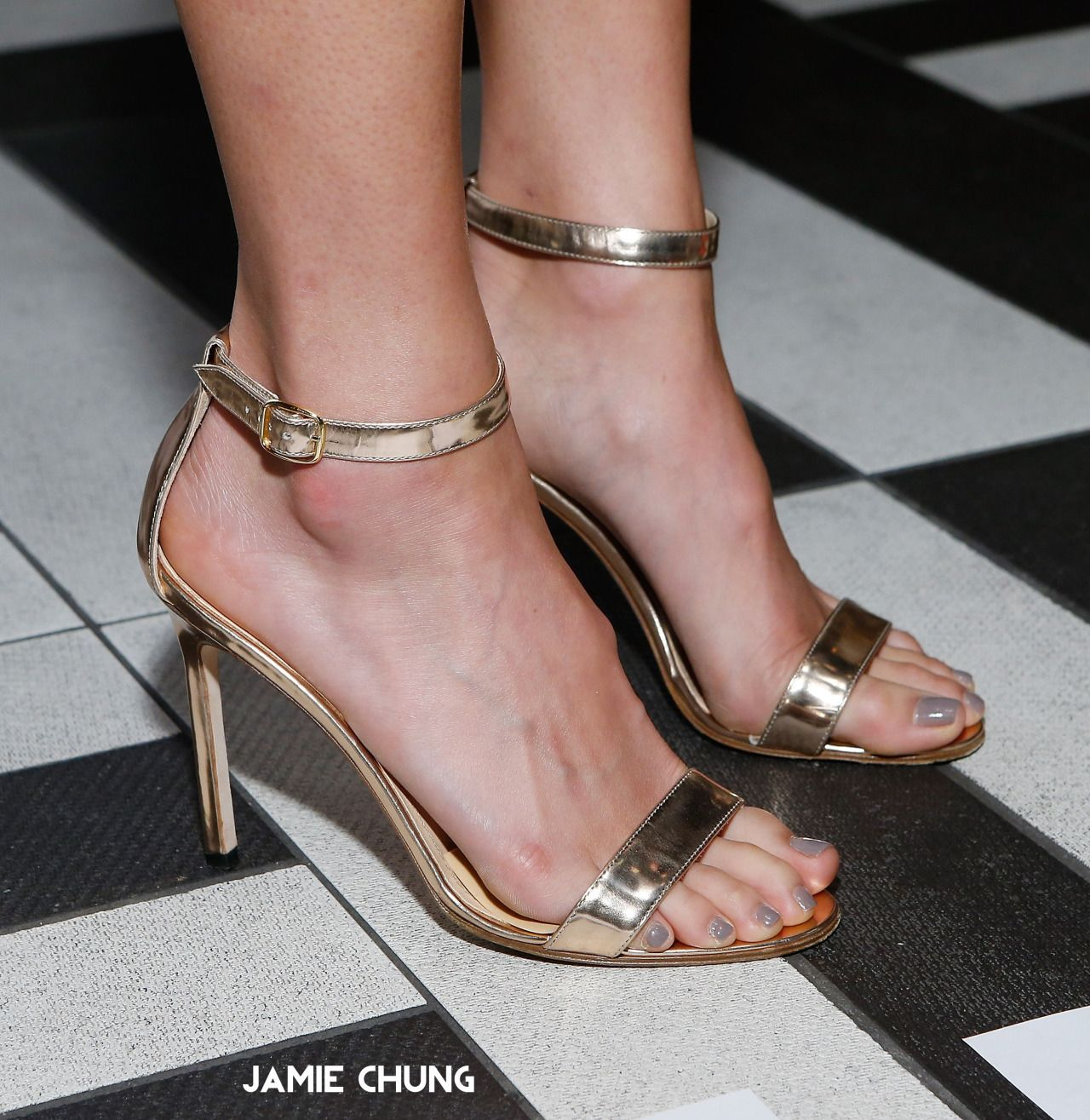 Top 10 Sexiest Celebrity Feet - YouTube