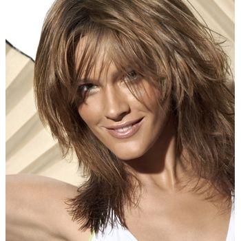tendencia en peinados melenas cortas y flequillos para renovar el look con la llegada de
