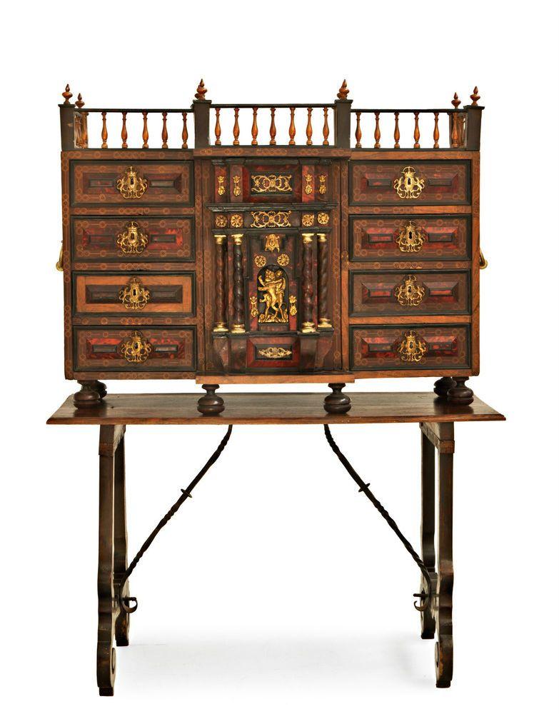 Aste Mobili Antichi.Monetiere Fiammingo Del 800 Sec Xix Cabinets Mobili