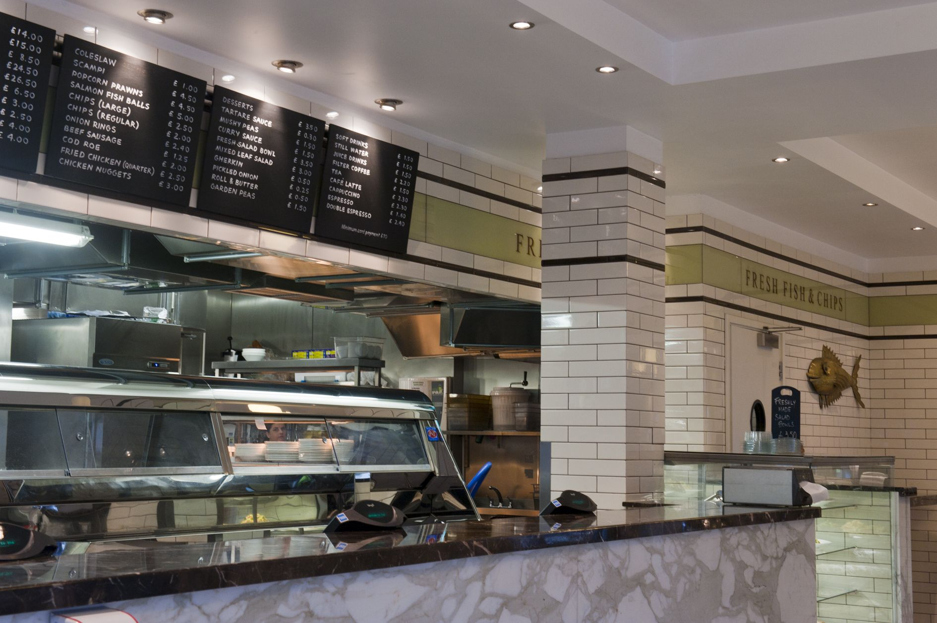Best Fish And Chips London Sea Shell Of Lisson Grove Has Been Around For 30 Years There Is A Restaurant Fish And Chip Shop Fish And Chips Best Fish And Chips