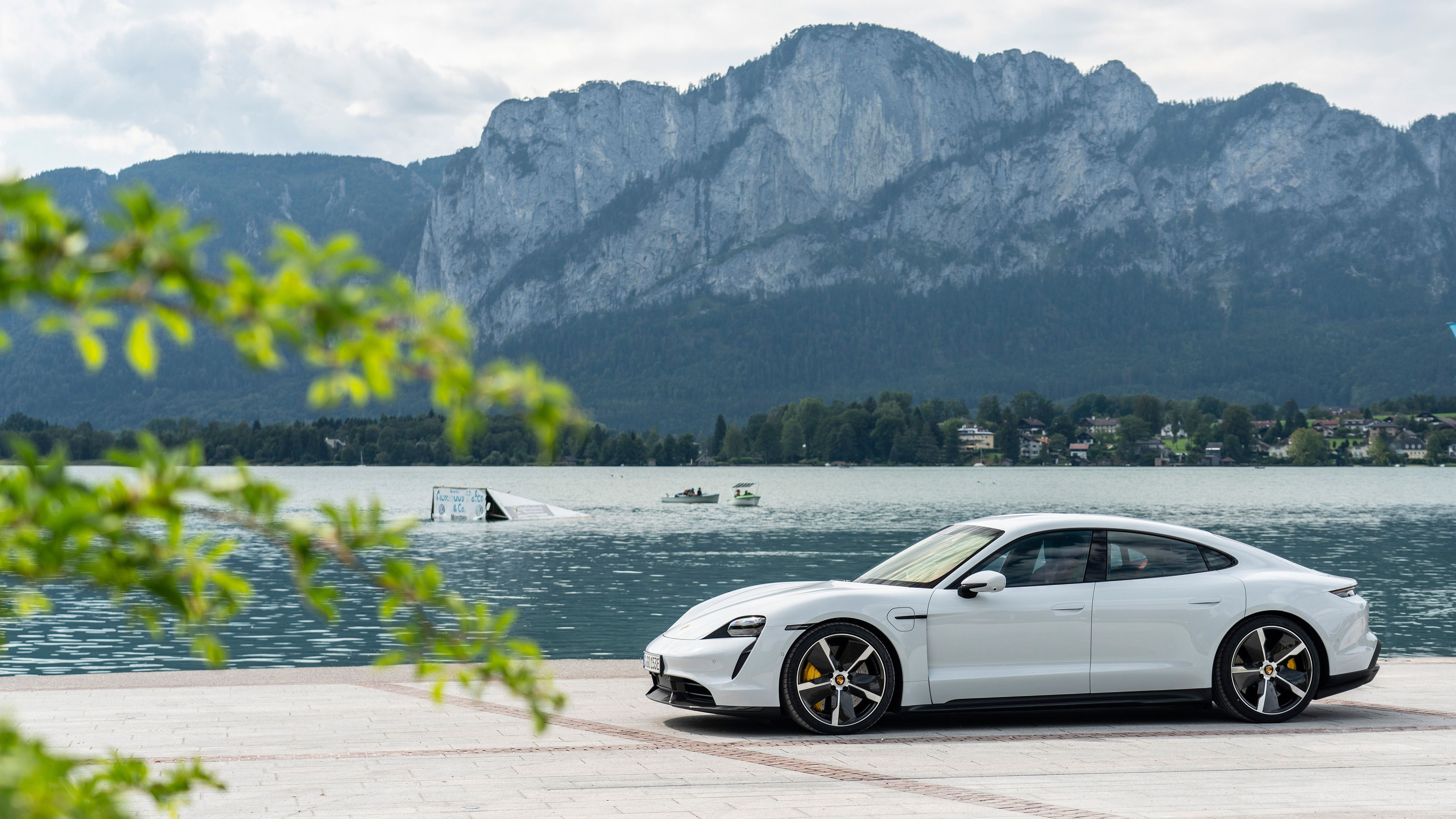 Porsche Taycan Turbo S 2020 в 2020 г