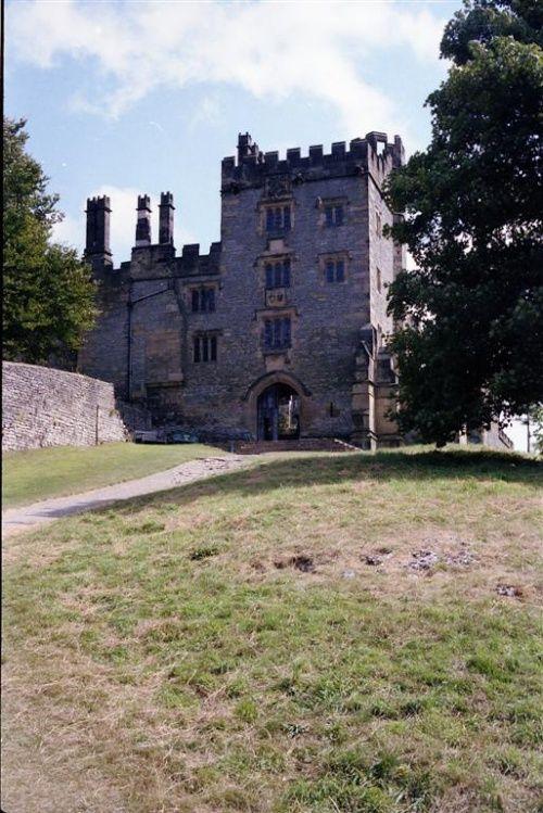 Chatsworth House History: Haddon Hall, Bakewell, Derbyshire - UK