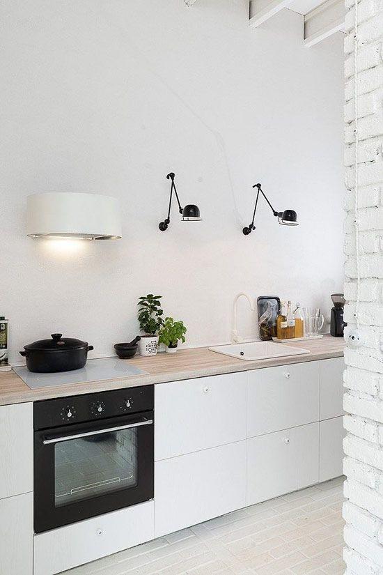 Photo of Ristrutturazione minimalista del granaio in bianco e nero