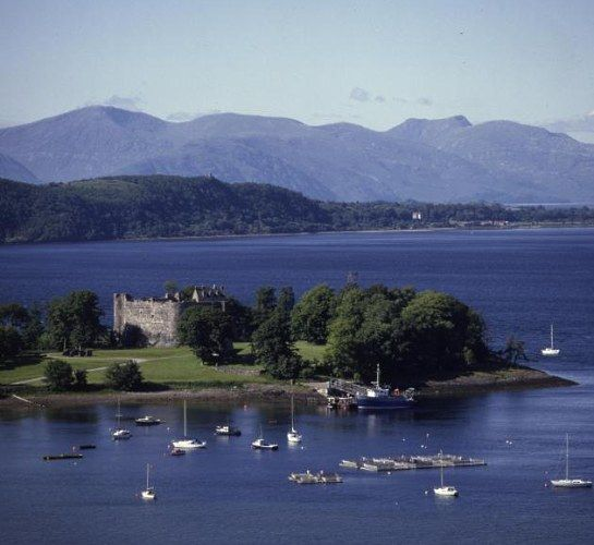 Half day dunstaffnage castle scotland pinterest castles dunstaffnage castle and chapel central west this century castle is built in the most beautiful location think of the photographs you could snap here sciox Images