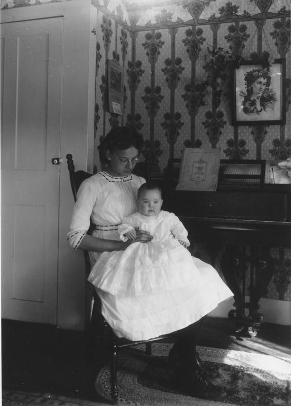 Mrs Winchester S Daughter And Baby Wardsboro Vt Via