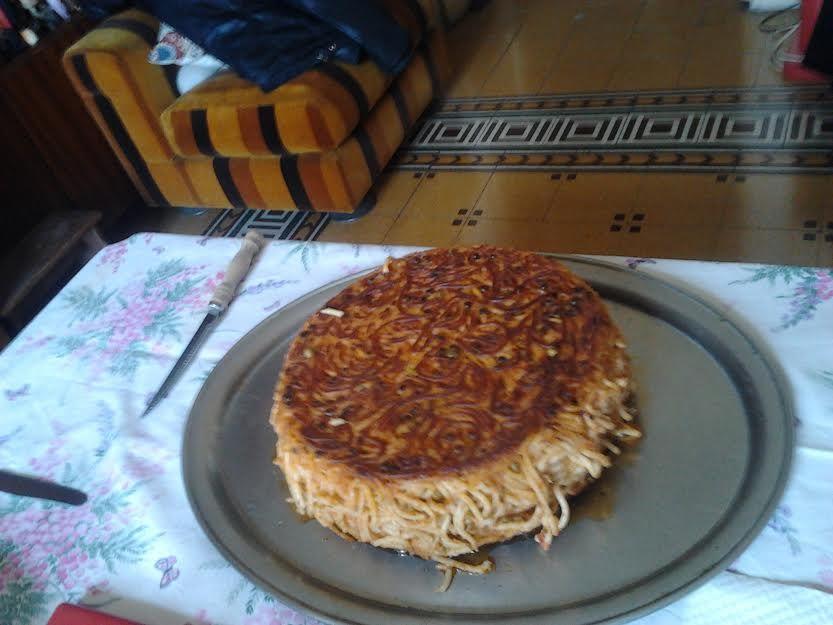 A casa di Eva una frittata di pasta di un chilo e mezzo... sai com'è!