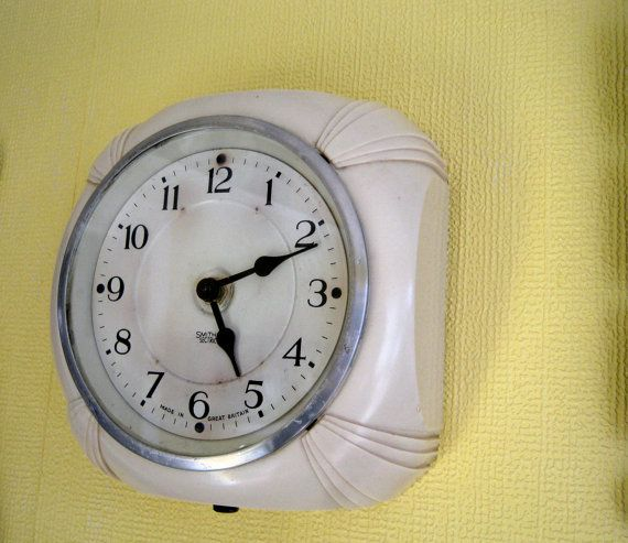Bakelite Wall Clock Smiths Sectric Vintage Recycled Wall Etsy Wall Clock Clock Will Smith