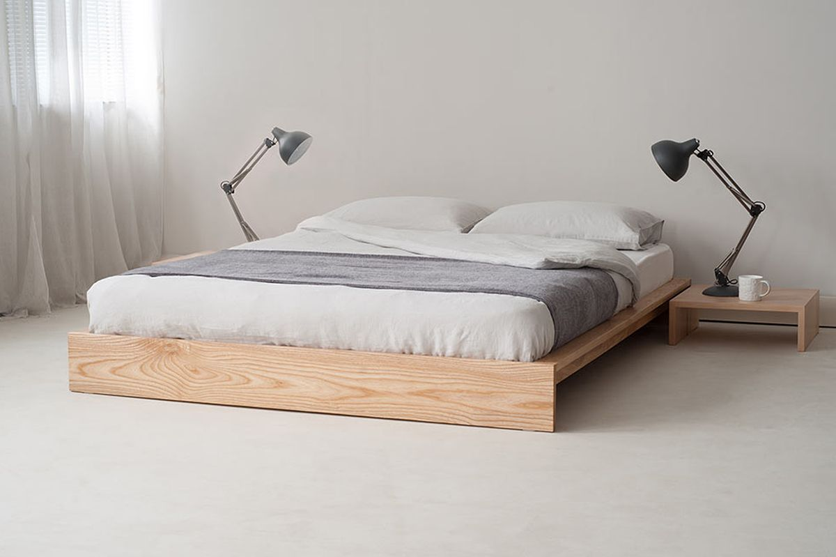 Mural of platform and metal bed frame two best minimalist for Best minimalist bed frame