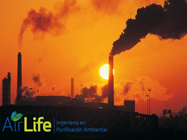 #airlife #aire #previsión #virus #hongos #bacterias #esporas #purificación  purificación de aire Airlife te dice ¿cuál es la definición de contaminación primaria y secundaria? Resulta muy útil diferenciar los contaminantes en dos grandes grupos con el criterio de si han sido emitidos desde fuentes conocidas o se han formado en la atmósfera. Así tenemos: - Contaminantes primarios.- Aquellos procedentes directamente de las fuentes de emisión  - Contaminantes secundarios:- Aquellos originados…