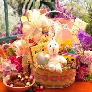 Httpcadeauhommekazeo ce qui est bien chez cadeauxfolies c the easter extravaganza gift basket carries more than your loving easter greetings inside this pastel colored easter basket youll find an amazing negle Image collections