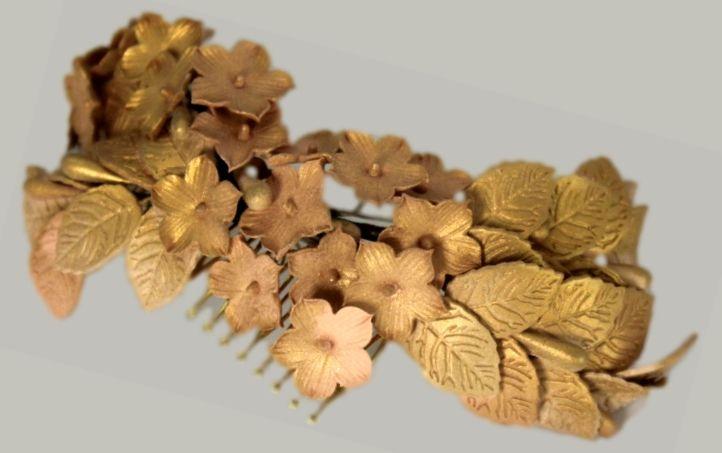 Peineta de flores de porcelana hecho a mano