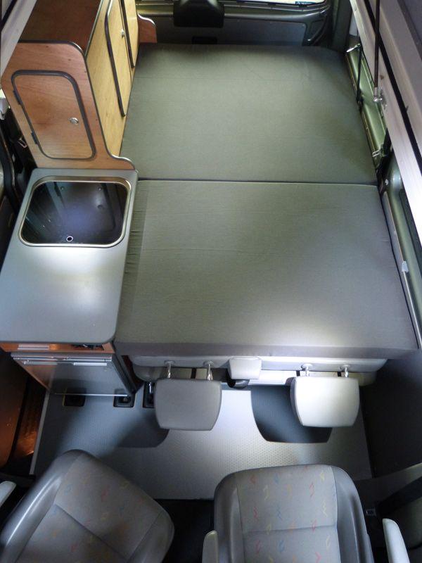 Concu Uniquement Pour Les Vw T5 Et T6 Combi Ou Caravelle Le Kit South Est Tres Polyvalent Van Mania Amenagement De Fourgon En Camping C