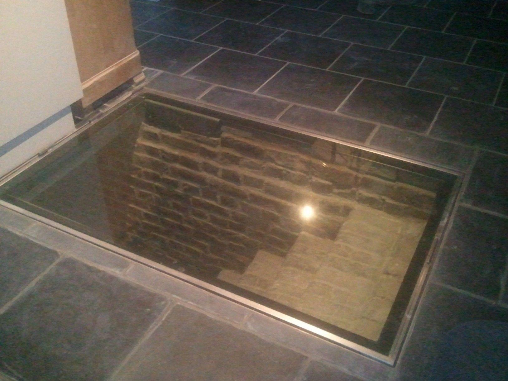 Trappe en verre  Portes de cave, Trappe, Cave