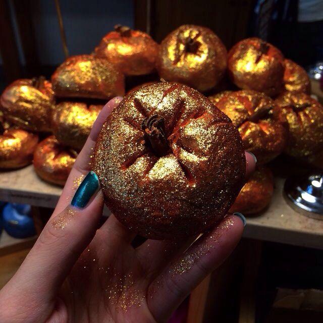 Wir sind bereit für ein Sparkly Pumpkin Schaumbad!