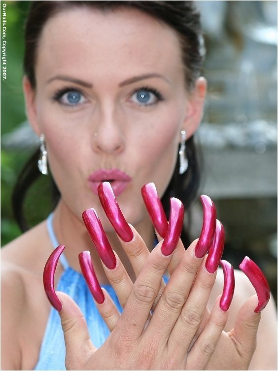Pin by Percy 201-6410 on Long nails | Pinterest | Long fingernails ...