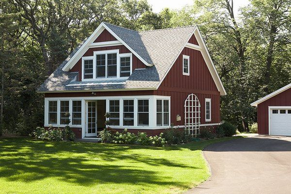 House Exterior Board And Batten Siding Traditional Barn Red Color White Trim Cottage Exterior Cute Small Houses House Exterior