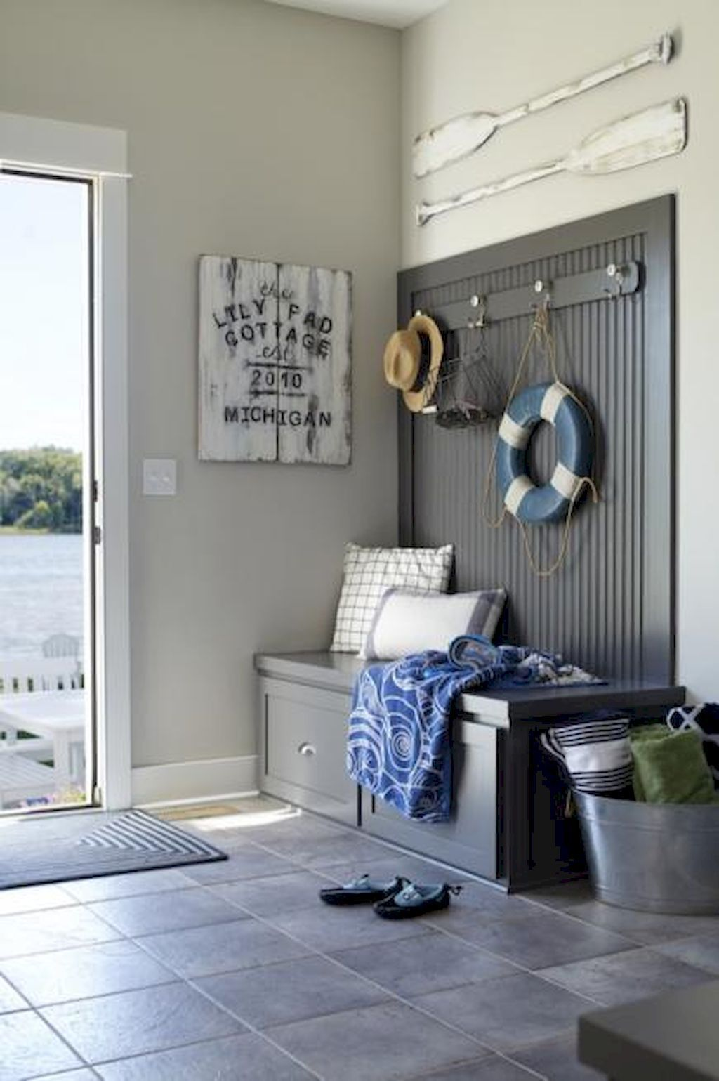 Stunning ideas for lake house decorations also lakes decoration rh pinterest