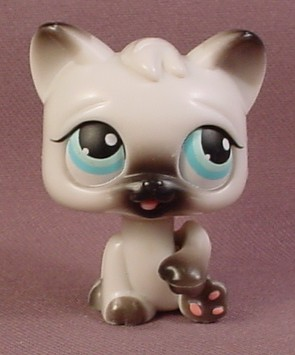 Littlest Pet Shop Magic Motion White Gray Persian Kitty Cat Kitten Tongue Sticks Out Of Mouth Little Pets Littlest Pet Shop Cats And Kittens
