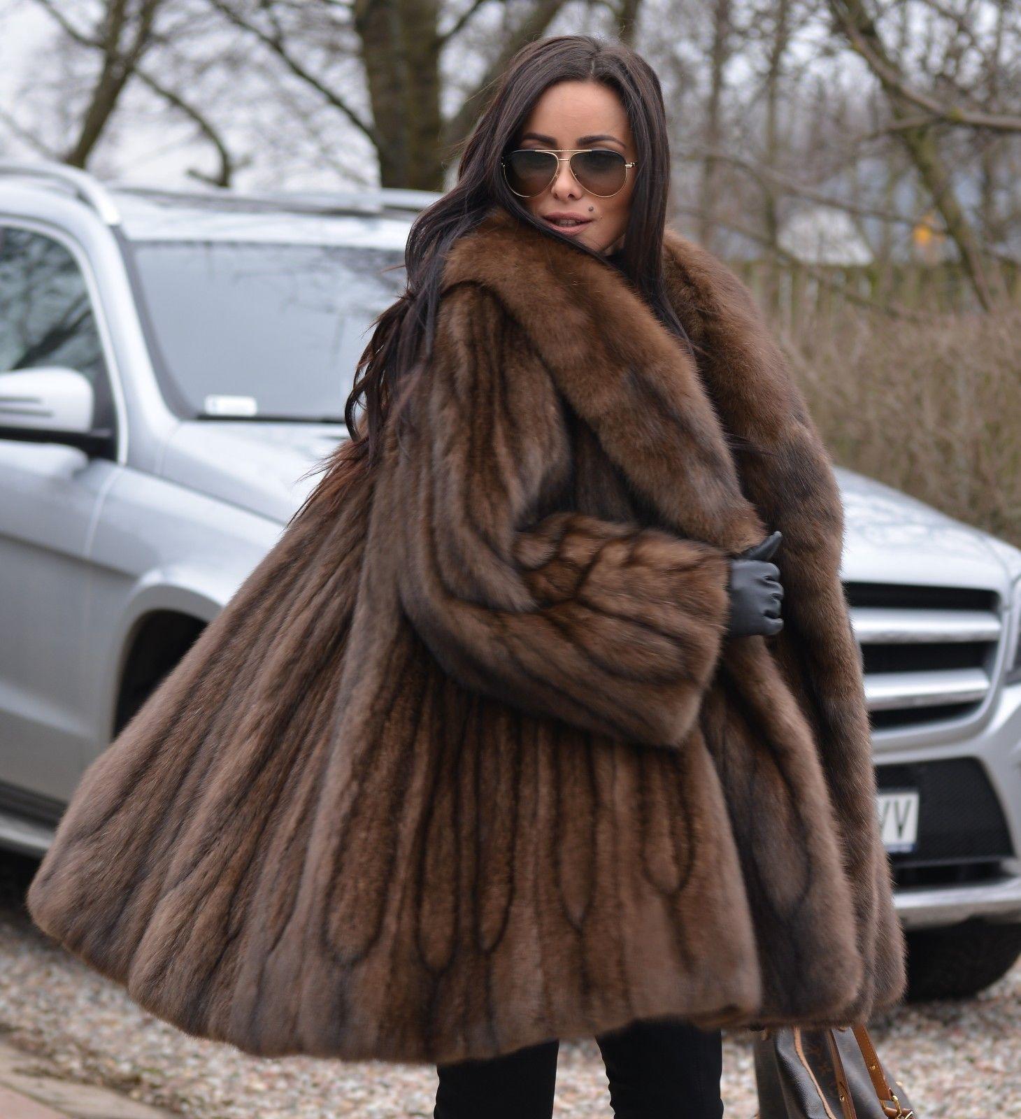 Pin By Michael Lake On Fabulous Furs In 2020 Fur Fashion Fashion Sable Coat