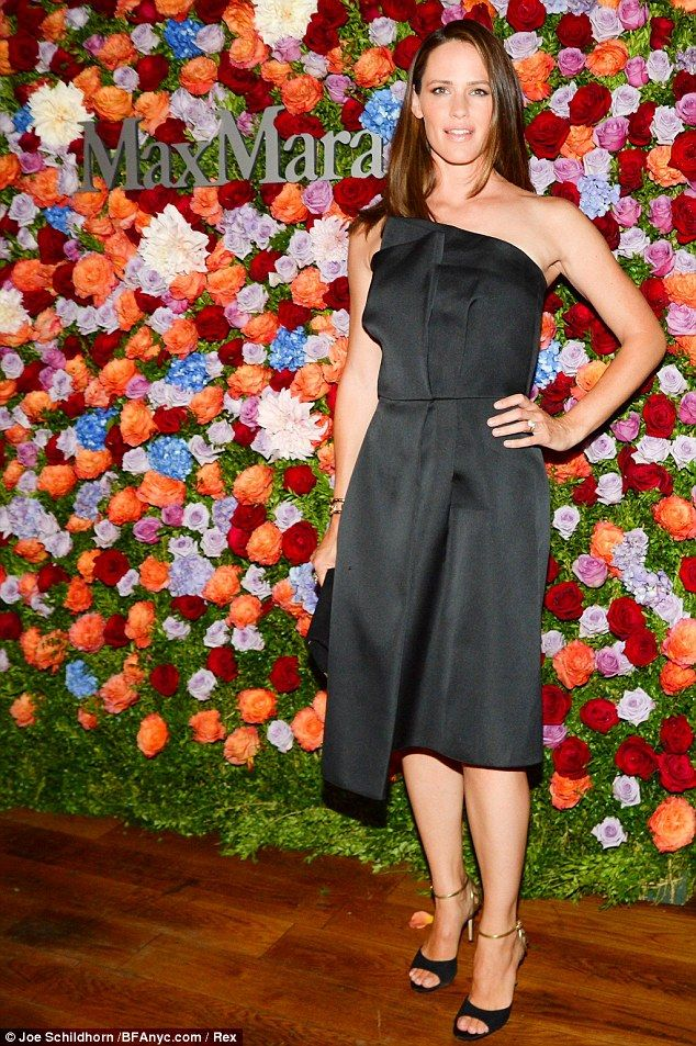 Jennifer Garner celebrata da Max Mara: è la nuova testimonial! » GOSSIPpando | GOSSIPpando