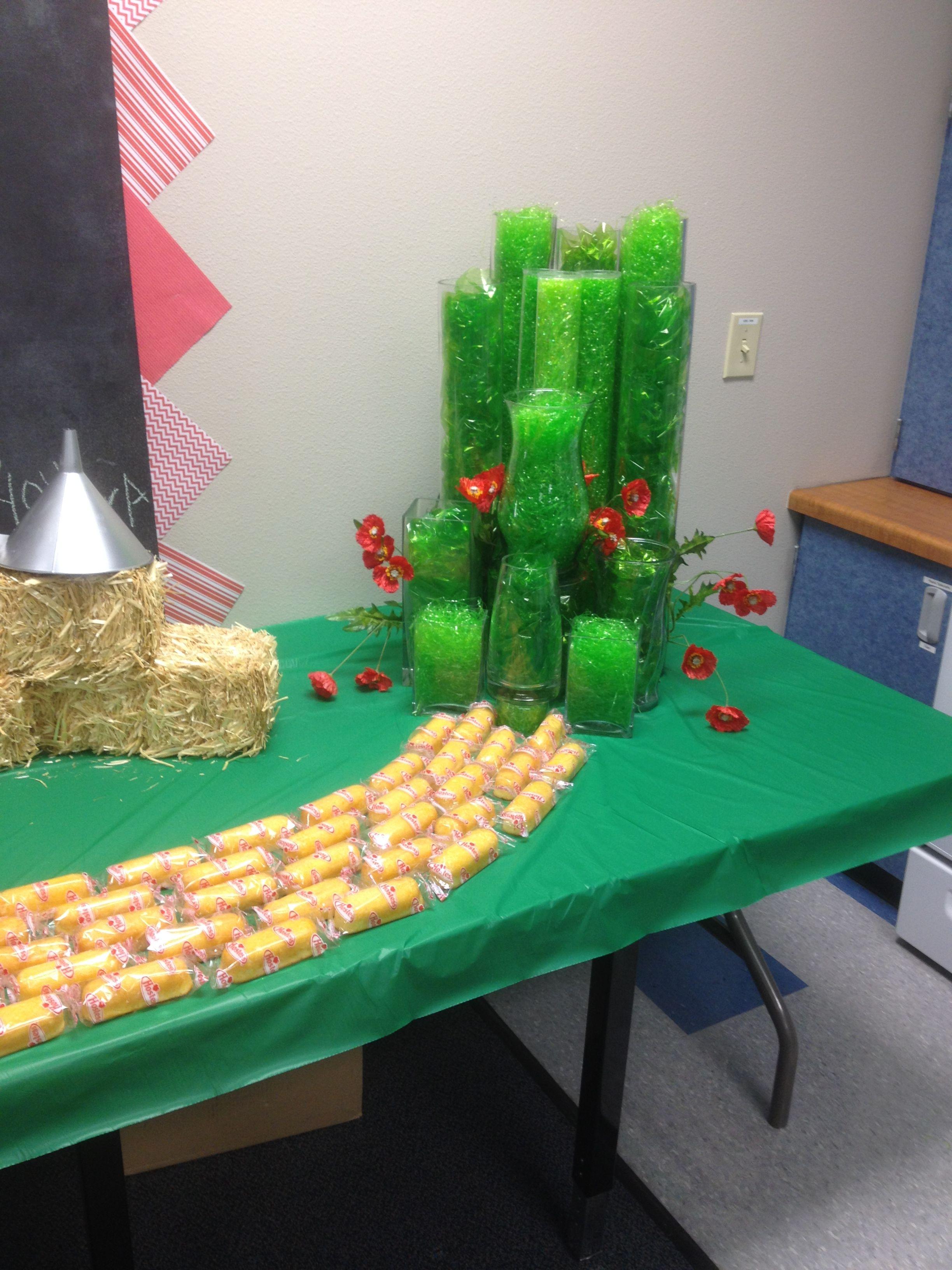 wizard of oz emerald city teachers lounge decor teacher wizard of oz teacher appreciation week used twinkies to create a yellow brick road