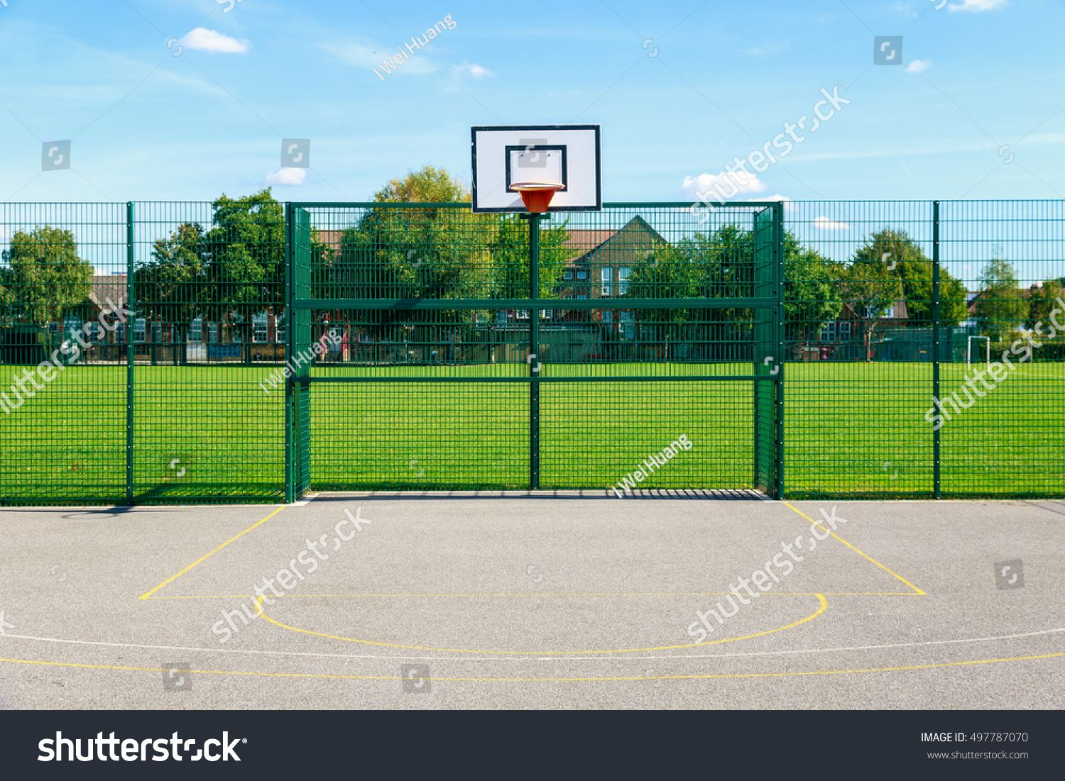 Public Outdoor Basketball Court In A Park Sponsored Spon Outdoor Public Basketball Park Outdoor Basketball Court Basketball Park Outdoor
