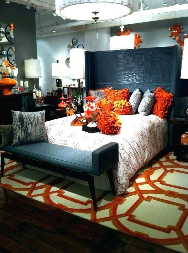 Burnt Orange And Blue Living Room 44 Stunning Navy And Orange Living Room Ideas Di 2020 Dekor Kamar Tidur Dekor Ruangan