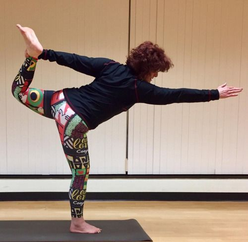 """""""Everyone has been made for some particular work, and the desire for that work has been put in every heart."""" -Rumi Yogi Pam wearing Cooyah """"One Love"""" leggings.    #reggae #yoga #yogi #goodvibes #yogagirl #yogini #shine"""