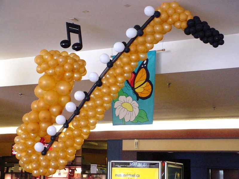 Saxophone balloon sculpture2.