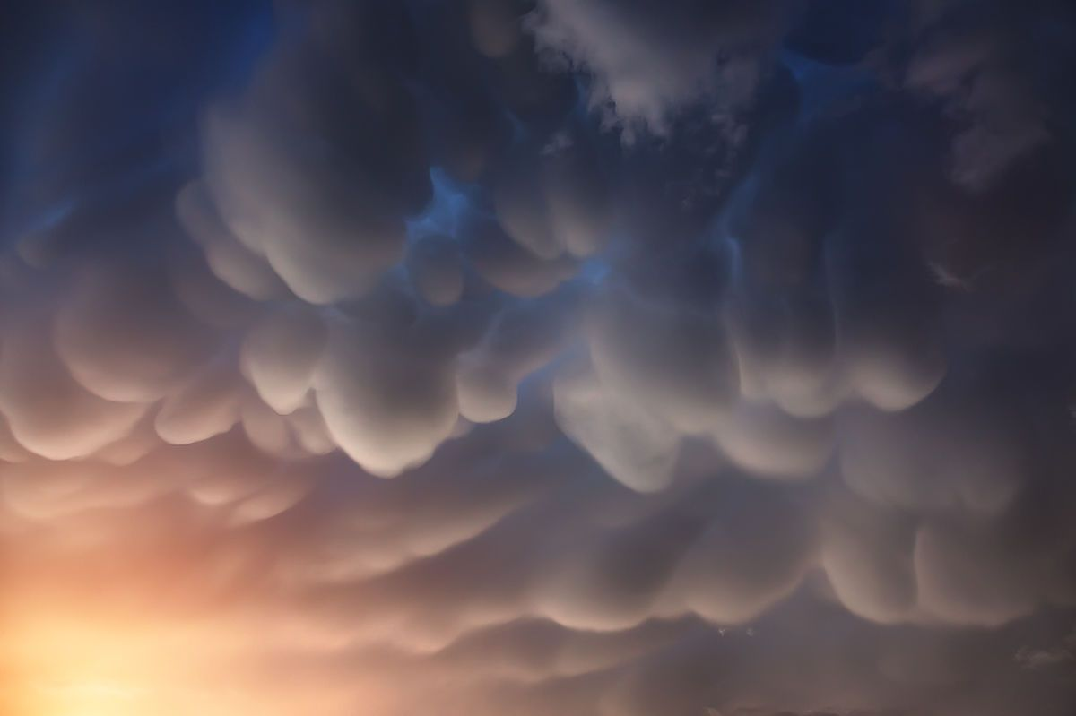 Mammatus clouds Mammatus clouds, Clouds, Natural phenomena