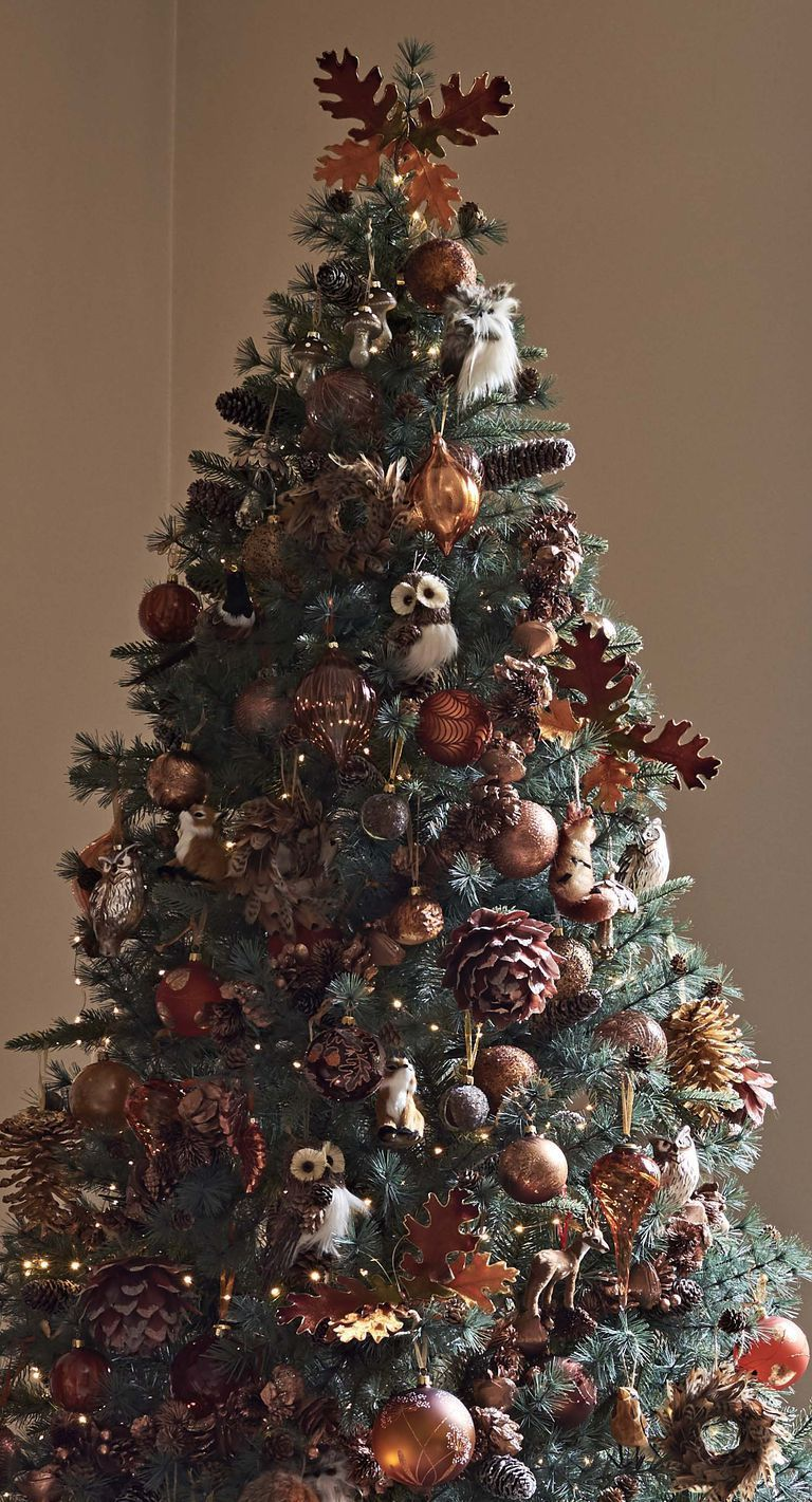 Autumnal Vibes With Warm Earth Tones And A Sprinkle Of Christmas Magic Woodland Christmas Tree Unusual Christmas Trees Fall Christmas Tree
