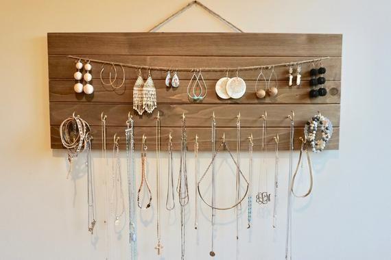 Wooden jewelry holder – Wooden jewelry holder – #beautifuljewelrydiy #be …