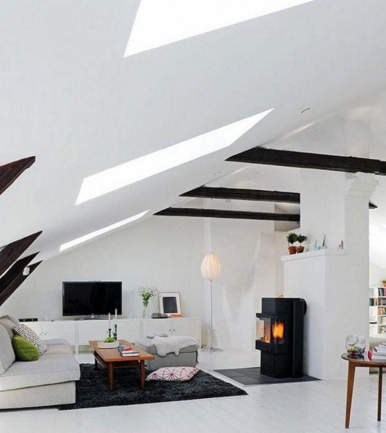 exclusives Wohnzimmer in Scharz und Weiß mit Kaminofen