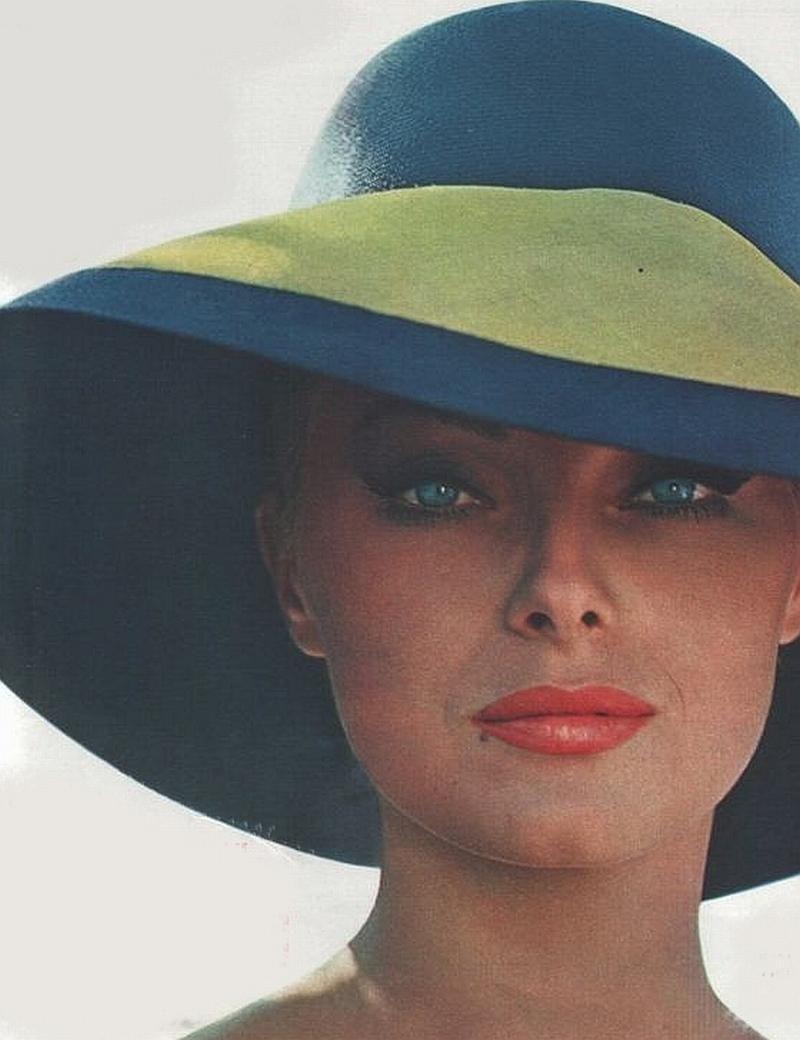 L'orgoglio dell'Italiana femminilità, sinonimo di raffinatezza, eleganza e bellezza. #VirnaLisi