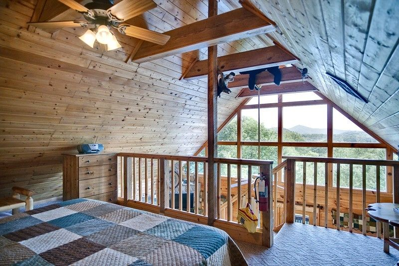 BEAR PAUSE 1 Bedroom Cabin In Gatlinburg, TN