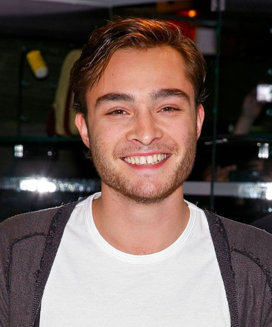 chuck bass smiling - photo #9