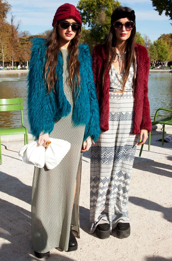 #streetstyle #fashion at Paris fashion week #PFW #creepers #sisters #moda #calle