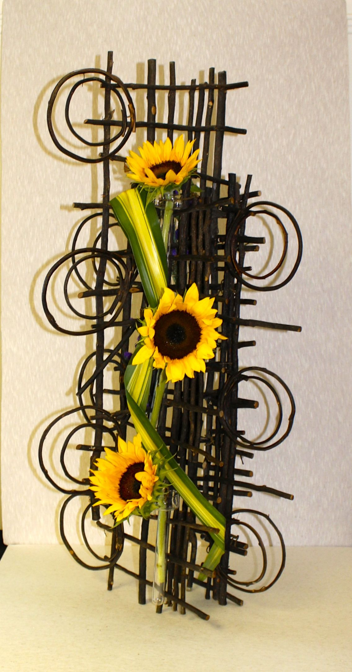 Creative Design By Penny Decker Flower Arrangements Diy Creative Flower Arrangements Floral Art
