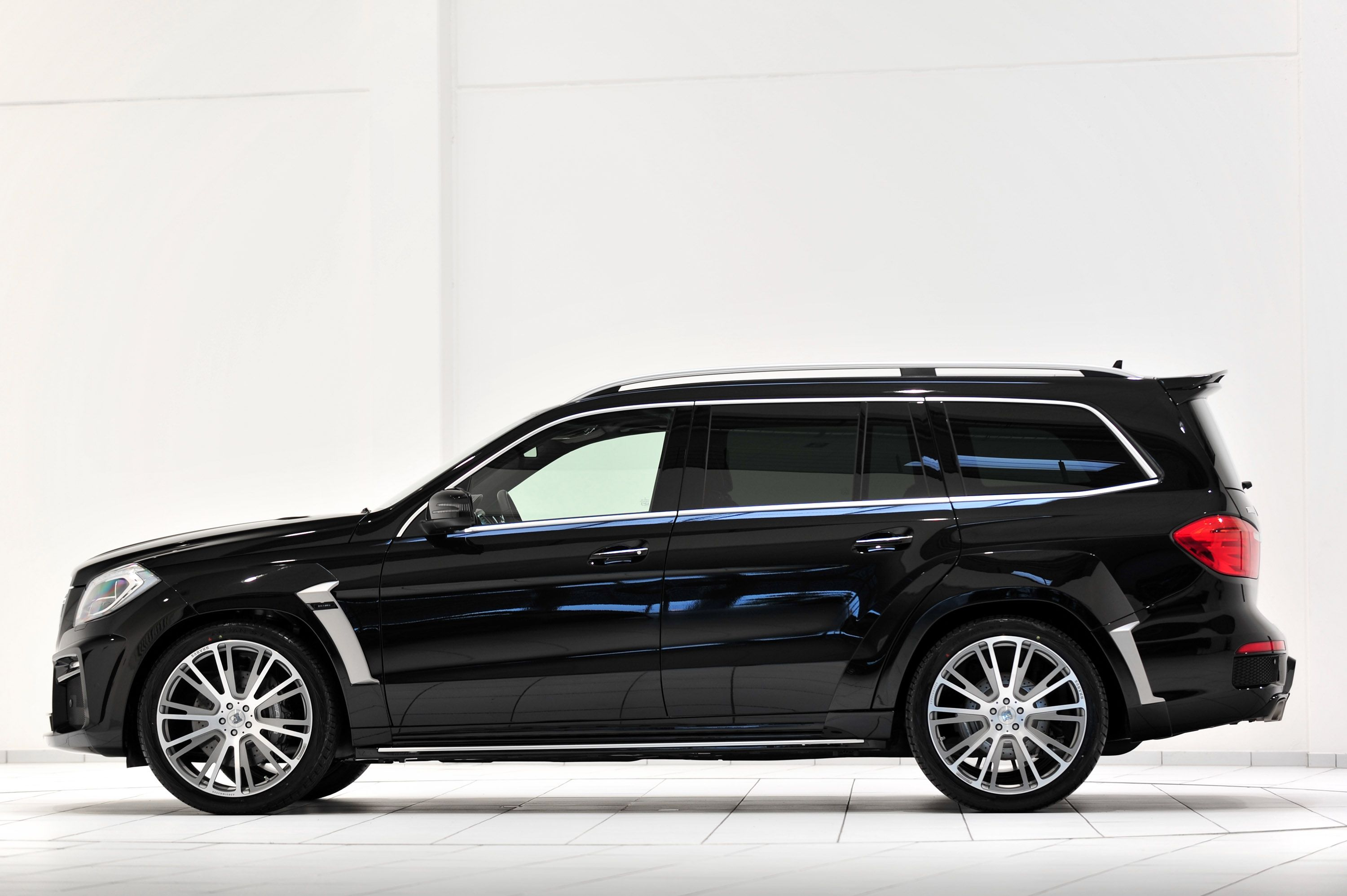 Gl 63 Amg The All New Mercedes Benz Gl 63 Amg Has Been Tuned By Specialist Mercedes Benz Gl Amg Car Benz