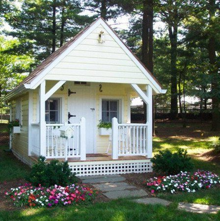 A Small House In The Garden Small Summer House Small House Garden Small House Pictures