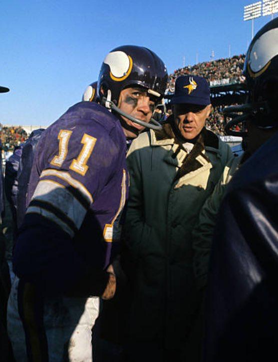 Joe Kapp Played Majority Of His Career In The Cfl Saw Him In Milwaukee I Think I Stil Minnesota Vikings Football Nfl Football Cheerleaders Nfl Football Art
