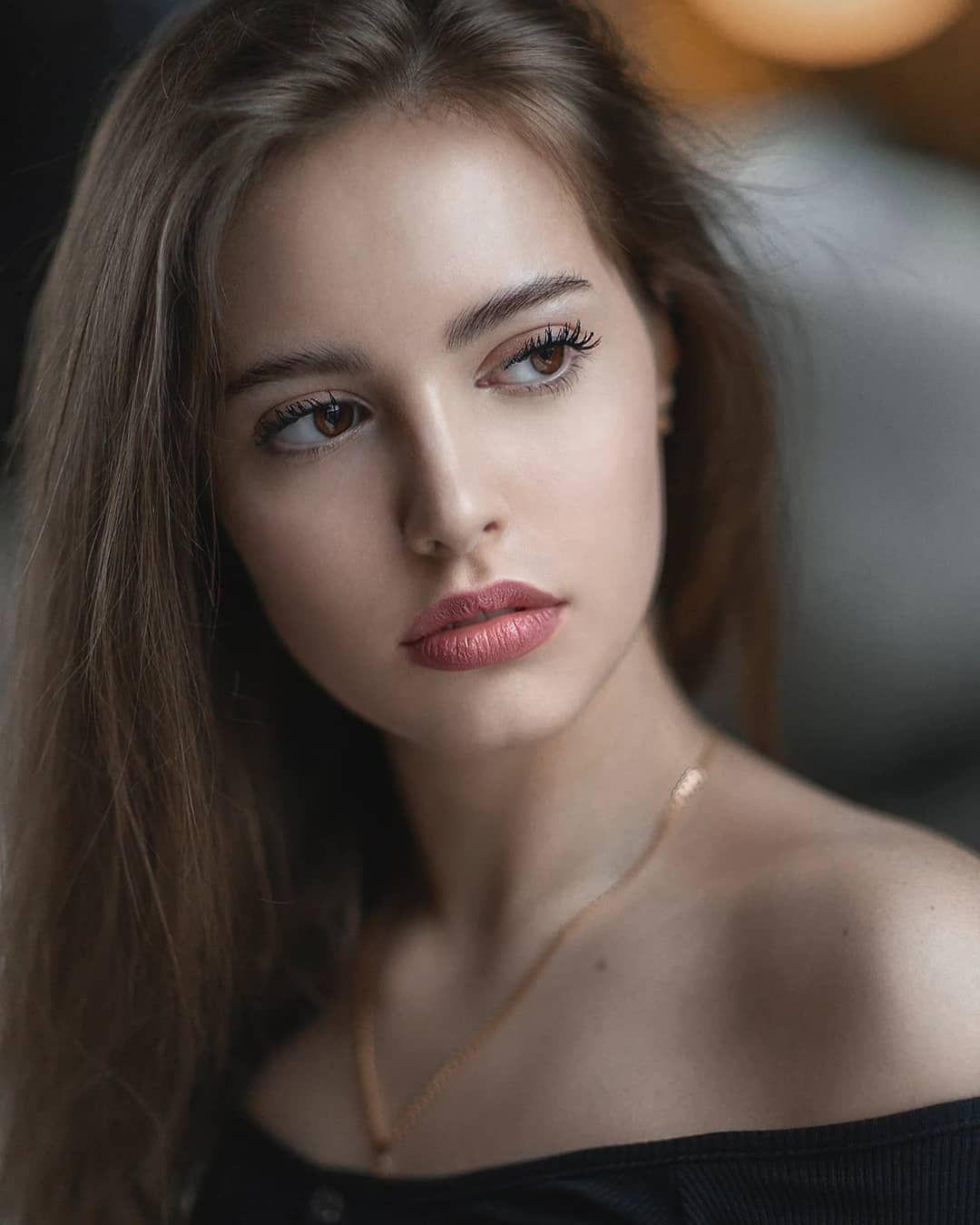 Девушка модель по теме работа и мощность девушка модель внеурочной работы