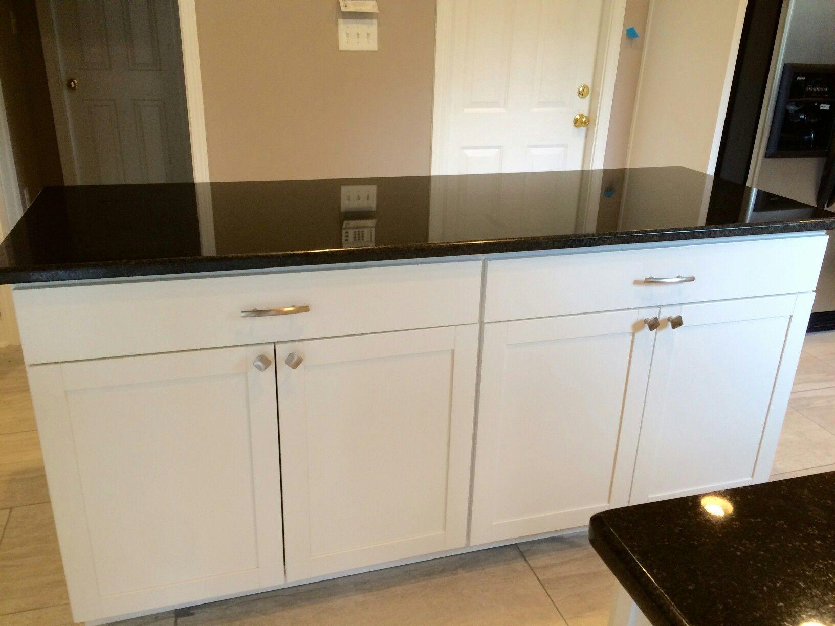 Best Aristokraft Cabinetry S Brellin Purestyle White Kitchen 400 x 300