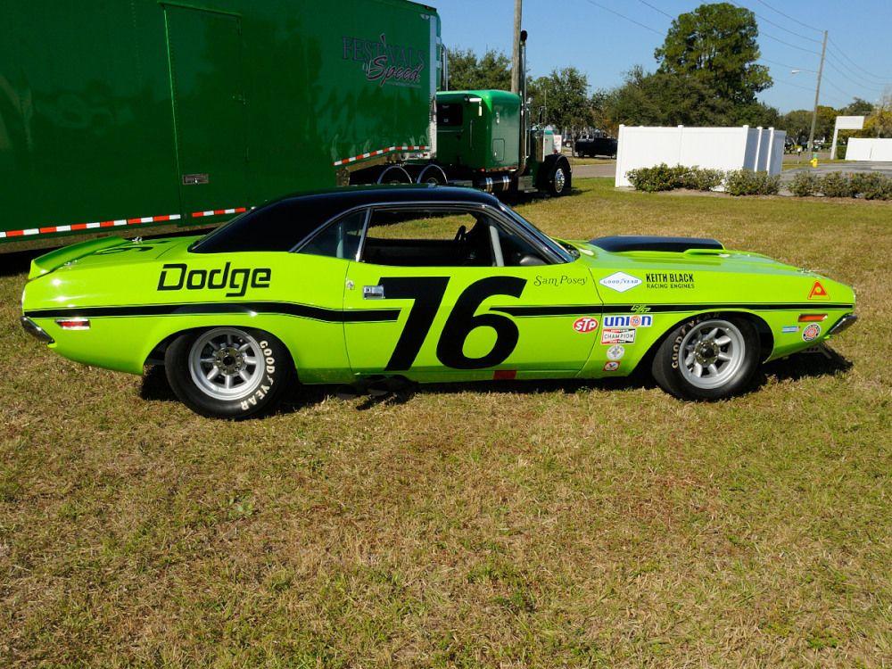 #76 Dodge Challenger