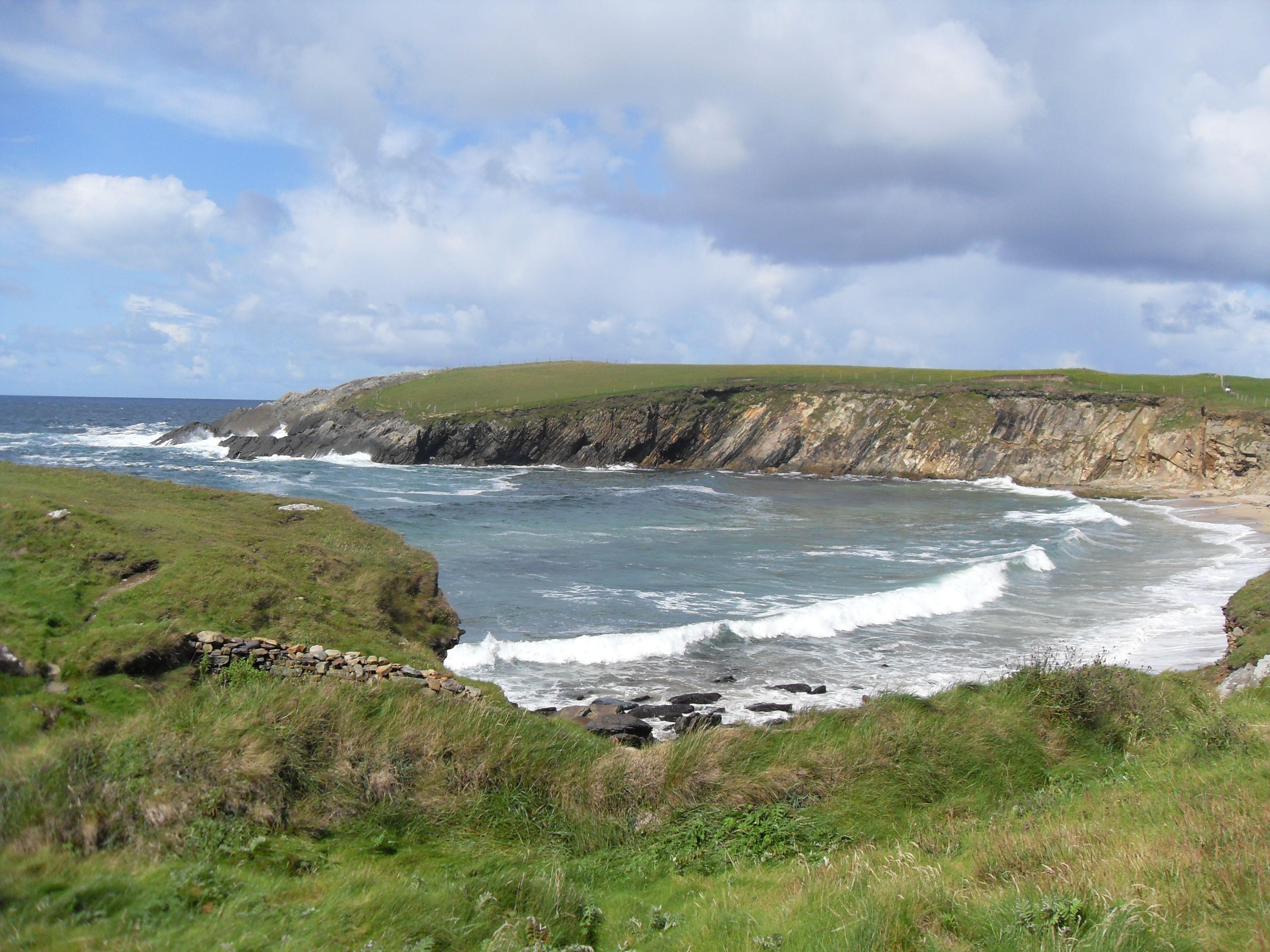 Dingle Peninsula coast road to the Clogher Strand (Trá An
