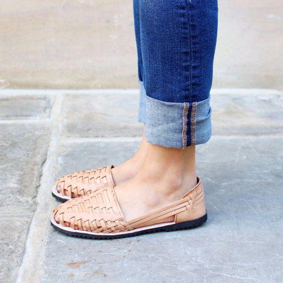 aa6e80c483ce The Guatemalan Huarache Sandals are traditional Guatemalan shoes ...